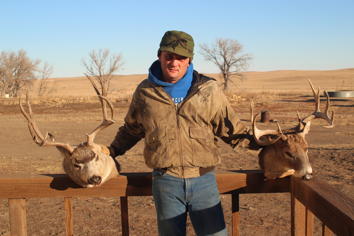 Archery Deer Hunts Available